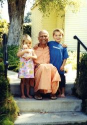 Chetanananda with Jessica and Brennan in Laguna in 1990s