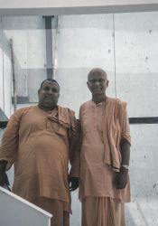 Swamis Vishokananda and Chetanananda, 2004